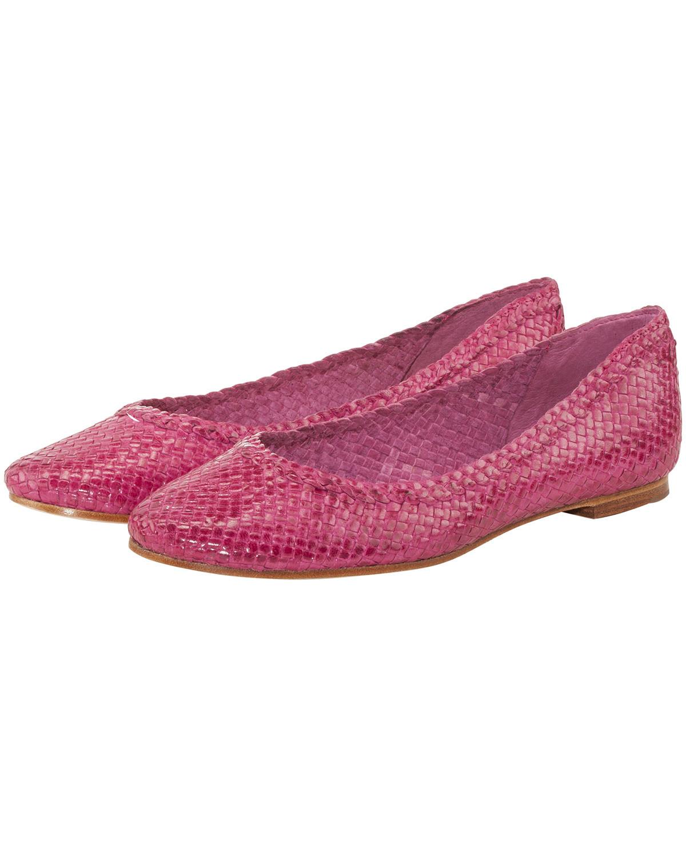 Artikel klicken und genauer betrachten! - Ballerinas für Damen von LODENFREY in Pink. Die stilvollen Ballerinas aus hochwertigem Leder bestechen durch modische Aufmachung. Dank einem raffinierten Webmuster erhält das Modell eine moderne Note, während eine edle Leder-Sohle das Gesamtbild gekonnt abrundet. | im Online Shop kaufen